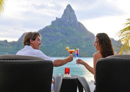 Bora bora vacations honeymoons weddings resorts for Spa vacations for couples