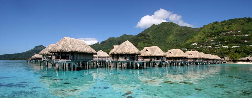 <h2>Moorea Magnifique</h2><p>2 FREE Nights and Upgrade<p><p class=price>From <strong>$3325</strong></p>