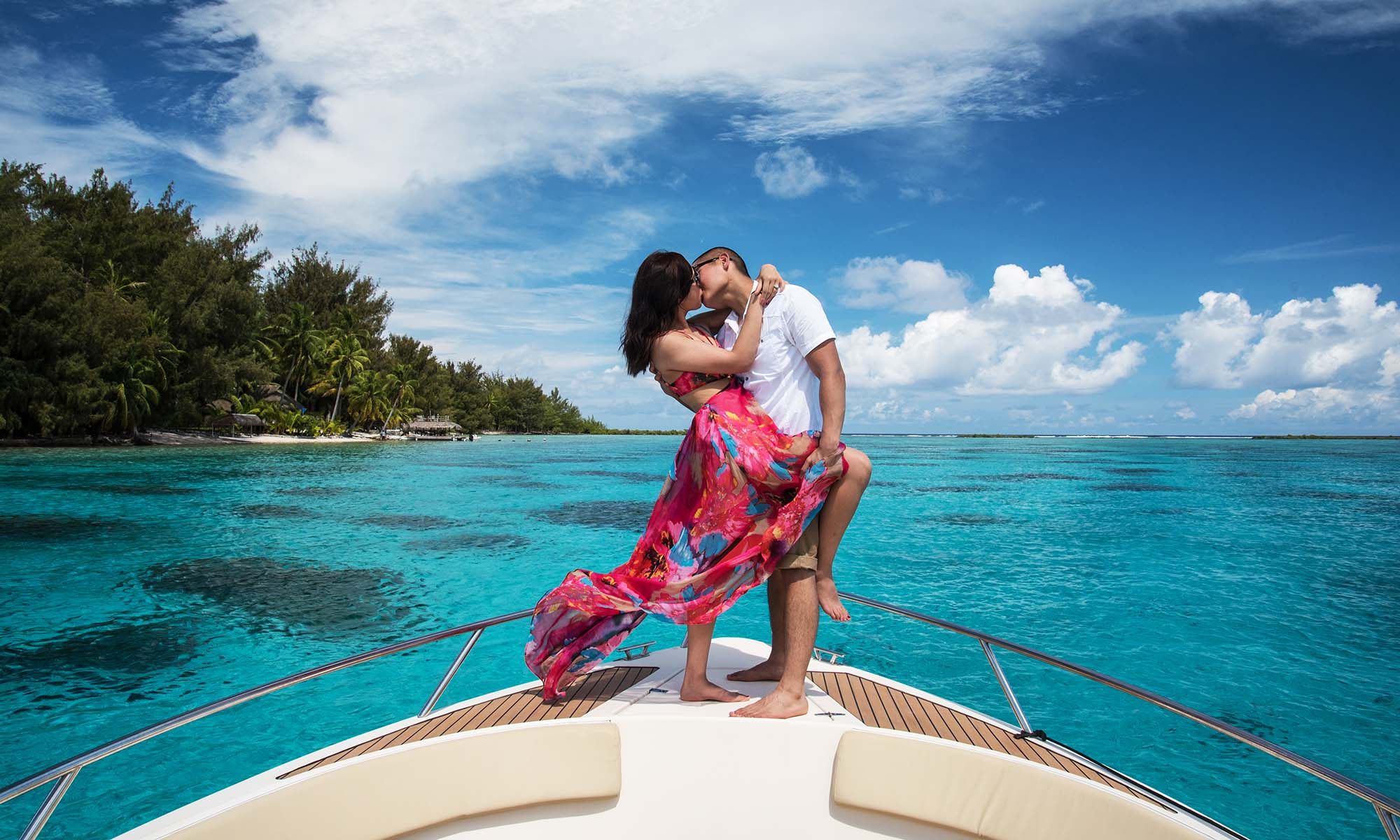 Enjoy a Romantic Lagoon Cruise with a Professional Photography Session
