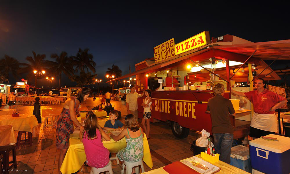 Les Roulottes in Papeete - the original food trucks