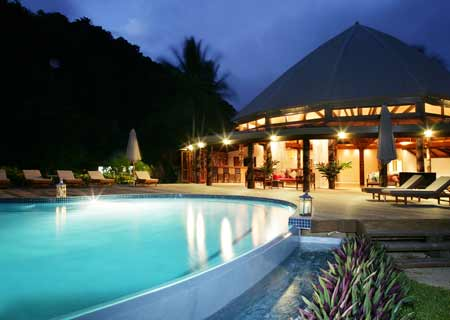 Matangi Private Island Resort, Fiji, Pool & Restaurant
